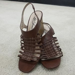 💮New Never Worn💮 Stacked wedge sandals